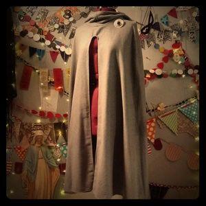 Gray Wool Hooded Cape (L)